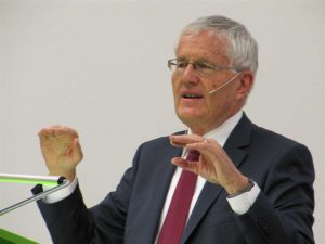 Kaspar Villiger am Referat an der Uni Zürich
