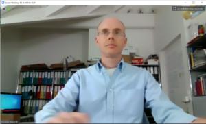 Videokonferenzen: ohne virtuellen Hintergrund sieht man alles.